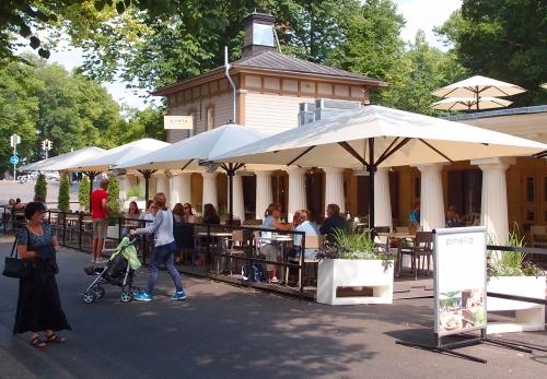Kunnostettu vanha ravintola Pinella