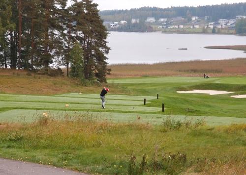 Vielä Kytäjällä golfataan