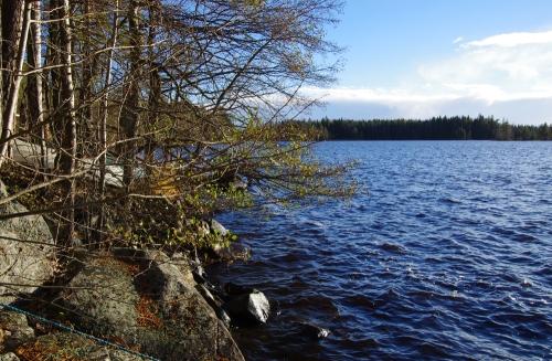 Lokakuinen mökkijärvi