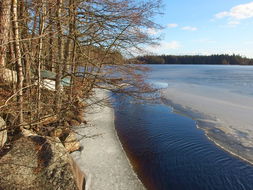 Mökkijärven jäät lähtevät  (8.3.)