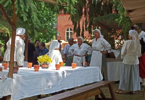 Pitopöydän valmistelijat