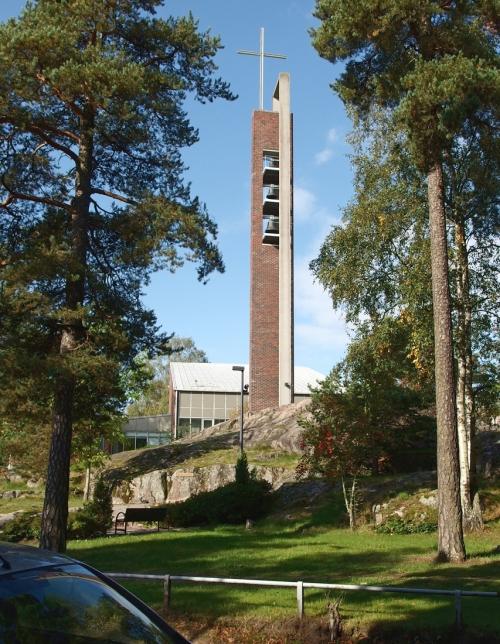 Herttoniemen kirkon kellotorni