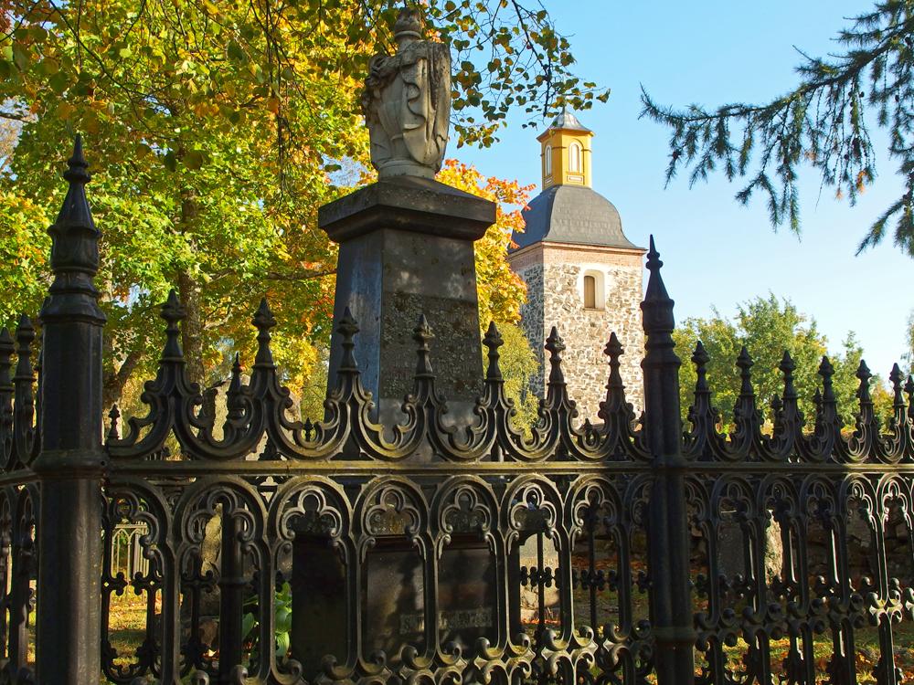 Tammelan hautausmaalta kirkolle päin