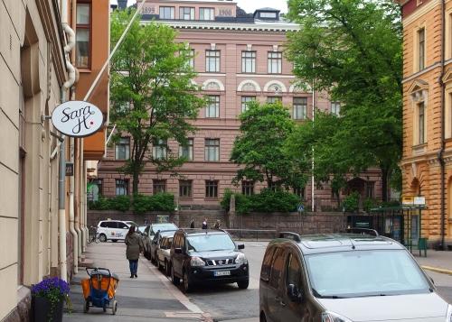 Taustalla Sibelius-lukio, Liisankatu