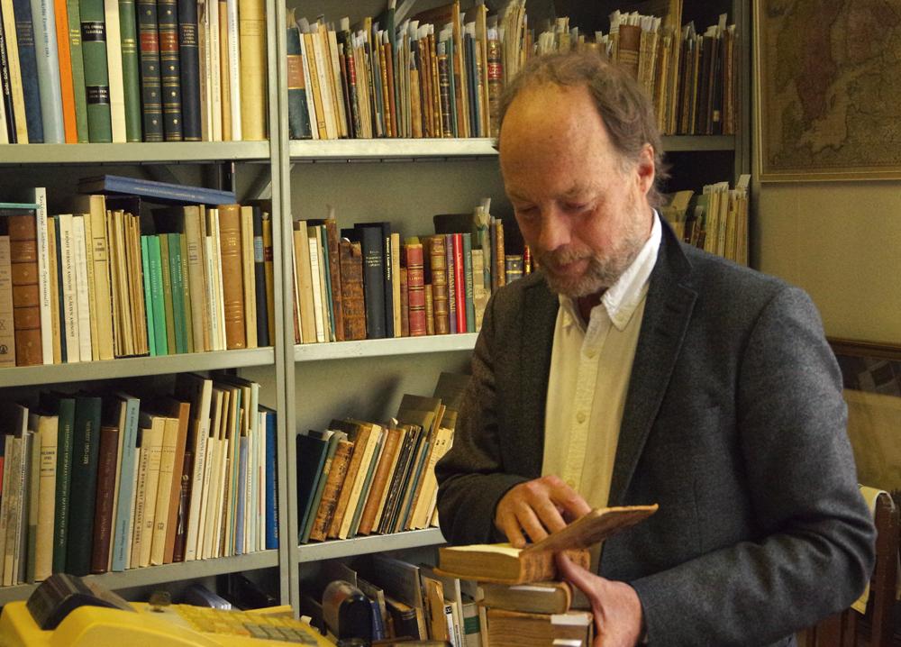 Runebergin antikvariaatti, Andrew Eriksson