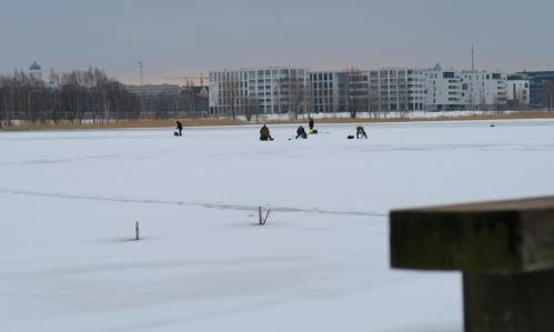 Pilkkijöitä Töölönlahdella