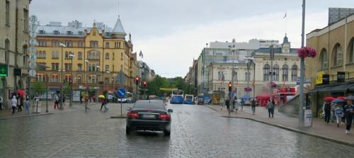 Heinäkuun alun mökkimatkan teimme Tampereen kautta. Kaupungissa satoi.