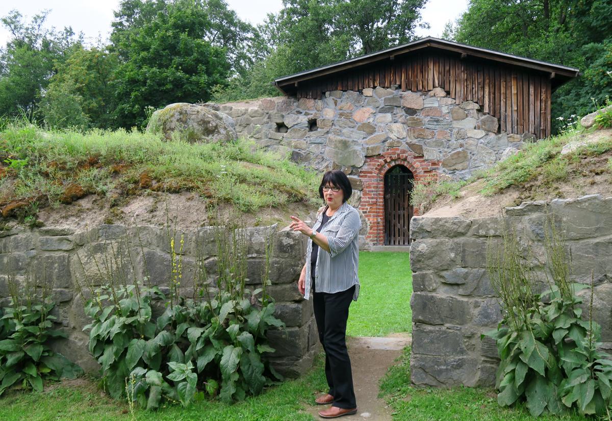 Vaimoni Pyhän Birgitan kirkon raunioilla, Vihti