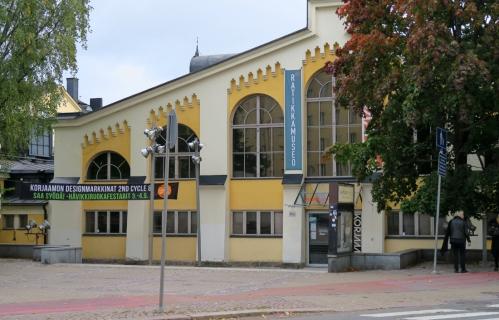 Korjaamo ja ratikkamuseo Eino Leinon kadun varrella