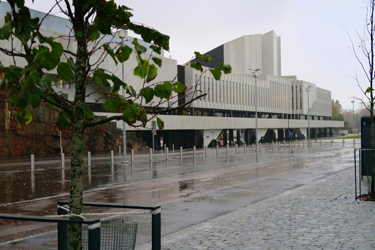 Finlandia-talo (Alvar Aalto) Töölönlahden eteläpäässä