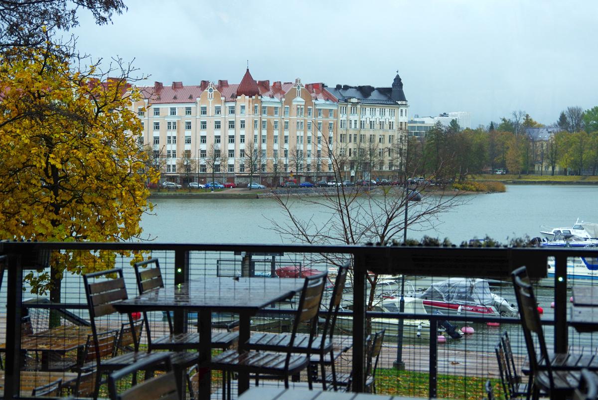 Ravintola Piritan ikkunasta Siltasaareen päin (Säästöpankinranta)